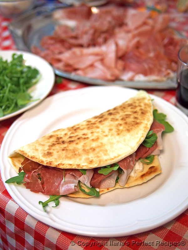 Piadina romagnola authentic italian recipe and history about this best authentic piadina romagnola italian flatbread forumfinder Image collections