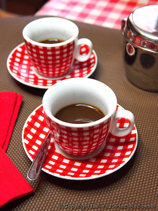 How Do You Say Coffee Maker In Italian : How to make a perfect Italian coffee at home and explanation about coffees you can find at an ...