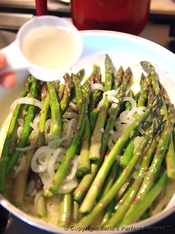 asparagus pan onion wine