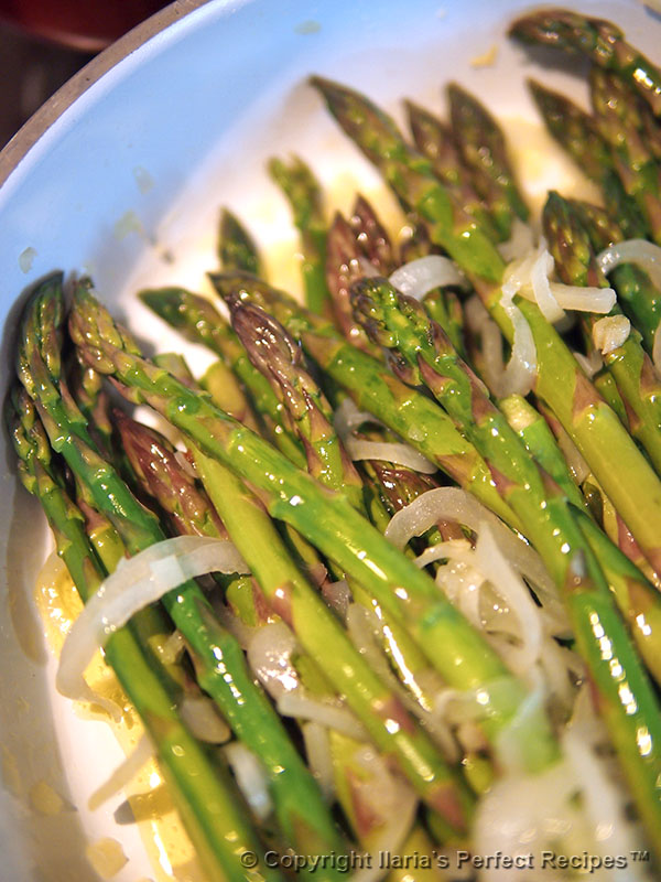 asparagus pan with onion