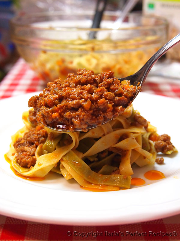 mouth watering tagliatelle bolognese sauce
